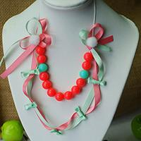 How to Make a Hyper Ribbon Necklace with Beads
