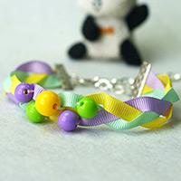 How to Make a Braided Ribbon Bracelet with Beads in Three Colors