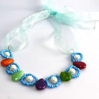Learn how to make beaded jewelry for kids with simple materials and processes