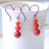 An Easy Way to Make Heart Shaped Earrings with Wire and Beads