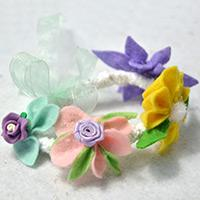 How to Make a Homemade Felt Flower Bracelet with Lace and Ribbon for Kids