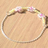 Handcrafted Jewelry Idea-How to Make a Beaded Flower Bracelet