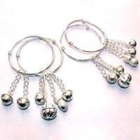 How to identify silver jewelry