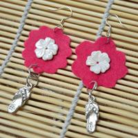 How to Make Bright Felt Flower Earrings with Pendants