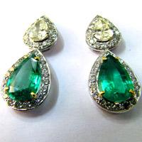 4 Tips about Buying Emerald Jewelry