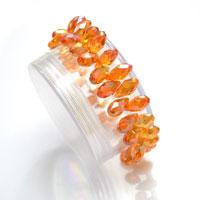 Easy Instruction on Making a Stretch Bracelet with Glass Teardrop Beads
