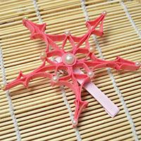 Making a Pink Snowflake Hair Clip in an Ingenious Way
