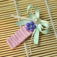 Making Cute Folded Ribbon Hair Bows in Pink and Green for Girls