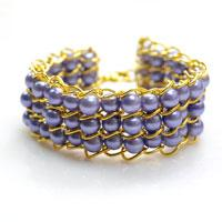 Free Pattern on Making Beaded Cuff Bracelet with Glass Pearl Beads and Golden Chains