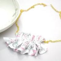 Easy Tutorial on How to Make Fabric Bib Necklace in Ruffle Style