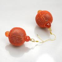 How to Make Lantern-Like Ball Earrings with Stuffed Mesh Beads