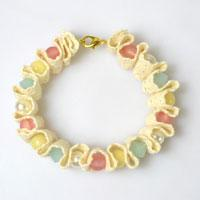 Free Tutorial on Making a Lace Bracelet with Colorful Beads