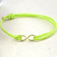 DIY Summer Bracelet – How to Make an Easy Braided Friendship Bracelet