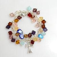 Free Jewelry Patterns-How to Make a Colorful Glass Bead Charm Bracelet