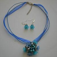 Flower Jewelry Sets – How to Make Beaded Necklaces and Earrings