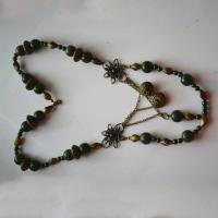 How to Make a Simple Beaded Necklace with Antique Acrylic Beads for Autumn