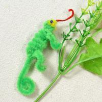 Easy Craft for Children-Tutorial on How to Make a Small Lizard Toy