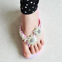 How to Make a Fashion Pair of Pearl Bead Flower Flip-flops at Home