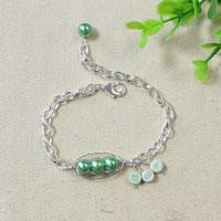 Tutorial on Making a Lovely 3 Peas in a Pod Chain Bracelet with Dangles
