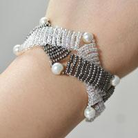 How to Make an Ivory-gray Two Strand Seed Bead Intertwining Bracelet