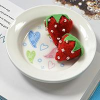 Instructions on How to Make Felt Strawberry Home Décor for Kids
