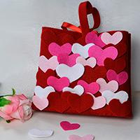 DIY Mother's Day Gift -Making Mini Felt Heart Handbag at Home