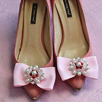 Fantastic Idea on How to Decorate Shoes with Pearl, Glass Beads and Ribbon Bow