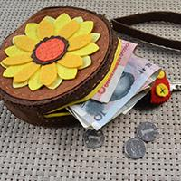 Easy Pandahall Tutorial - How to Make a Sunflower Change Felt Purse