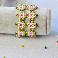 Pandahall Tutorial on How to Make Fresh Seed Beaded Flower Bracelet