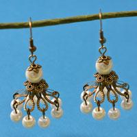 How to Make a Pair of Easy Vintage and White Pearl Bead Drop Earrings