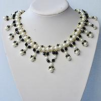 Pandahall Tutorial on How to Make Black and White Pearl Necklace with Glass Beads