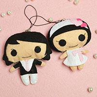 Easy Valentine's Day Gifts- How to Make Lovely Felt Couple Pendants