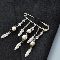 Beebeecraft Tutorial on How to Make a Pearl Beaded Brooch Pin