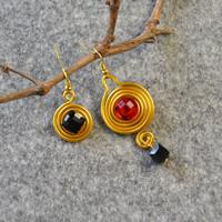 Beebeecraft Tutorial on Making Easy Asymmetrical Wire Wrapped Dangle Earrings