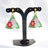 PandaHall-ideeën over het maken van kleurrijke kralen bloem oorbellen