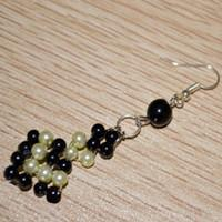 How to make pearl earrings- black and white charms in weichi