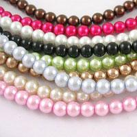 Glass pearl beads- eternal fashion in jewelry