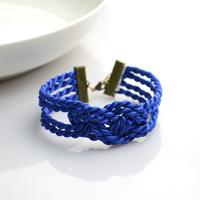 Several Steps to Learn How to Make Bracelets with Rope