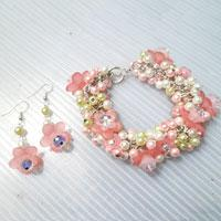 How to Make a Pretty in Pastels Chunky Flower Bracelet and Earring Set
