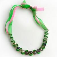 Ribbon necklace instructions-a wavy necklace out of organza ribbon and glass beads