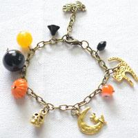 How to Make a Charm Bracelet with Halloween Elements