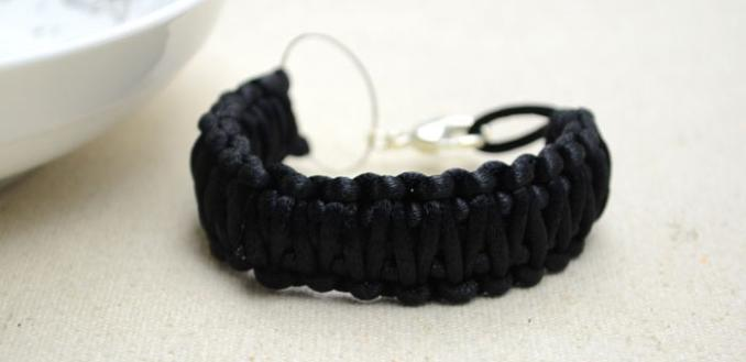 How to Do a Double Braided Square Knot Bracelet with Black Cord for Men