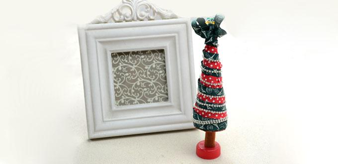 Kid's Craft Idea - Make a fun Christmas Tree Centerpiece with Ribbon and Felt