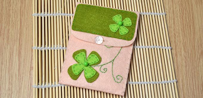 Felt Crafts for Making an Embroidered Four-Leaf Clover Pouch