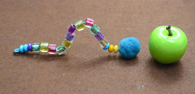 Free Pattern for Making Beaded Bugs with Colorful Acrylic Beads
