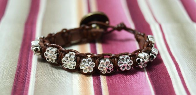 How to Make a Micro Macramé Bracelet with Beads for Small Wrist
