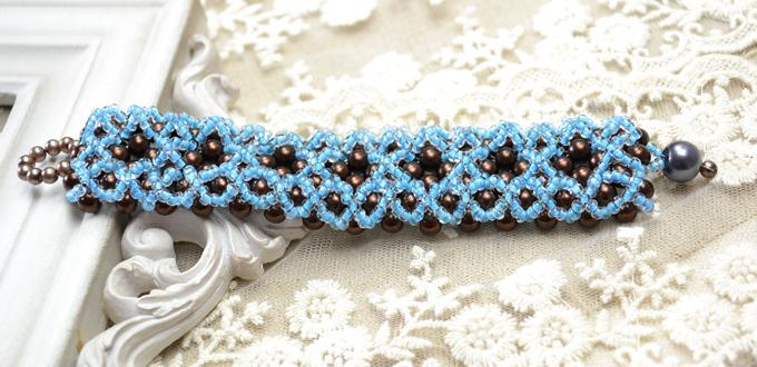 Making Right Angle Weave Bracelet with Pearl Beads and Seed Beads