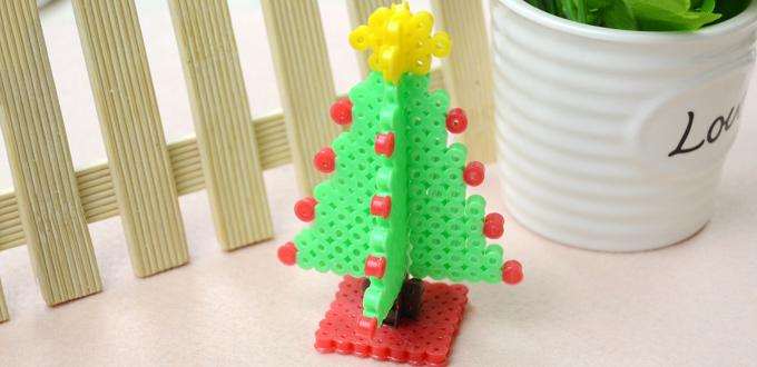 Red and brown christmas tree decorations - Christmas Hama Bead Designs For Christmas Decoration