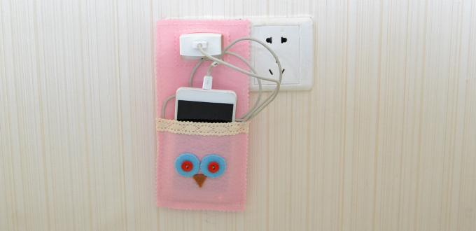 How to Make an Easy Pink Felt Owl Phone Charging Pouch