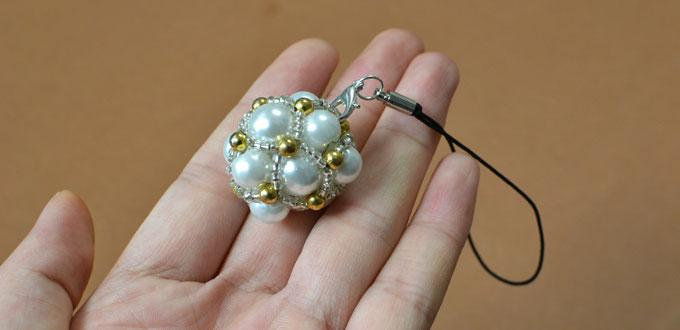 Instructions on How to Make Personalized Ball Keychains with White Pearl Beads